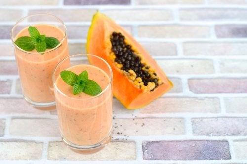 jus de papaye, de mangue et de lin pour désenflammer le ventre