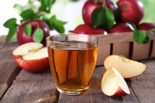 citron et vinaigre de pomme contre les caillots dans les reins