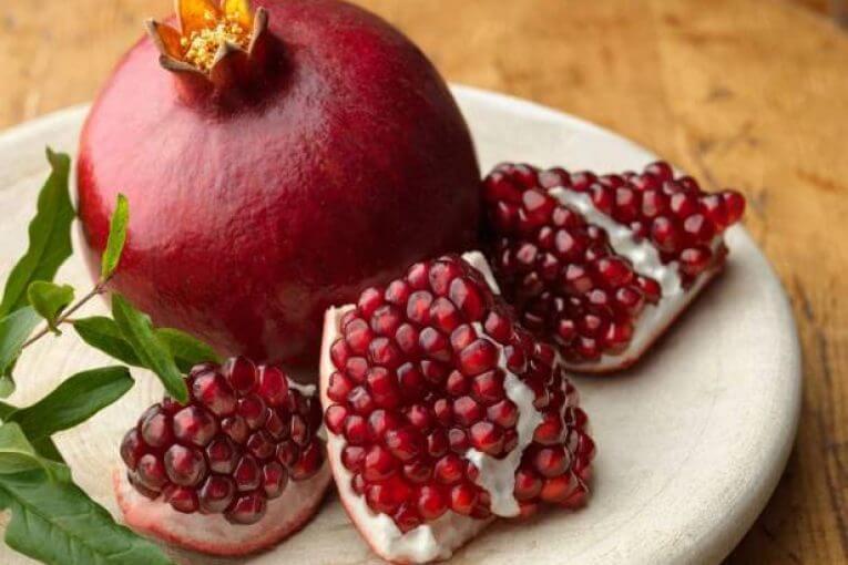 les grenades sont l'un des 12 meilleurs aliments pour déboucher les artères