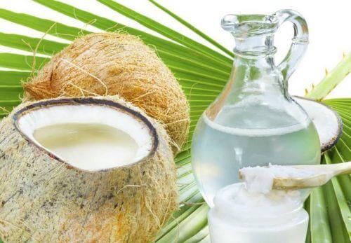 traitements pour le soin des cheveux à l'eau de coco et au citron