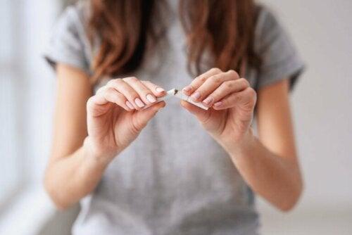 15 stratégies pour arrêter de fumer qui FONCTIONNENT
