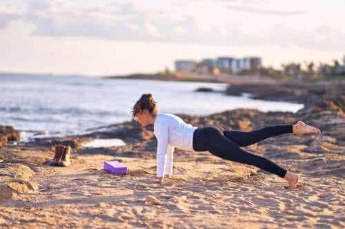 5 postures de yoga pour avoir un ventre plus plat