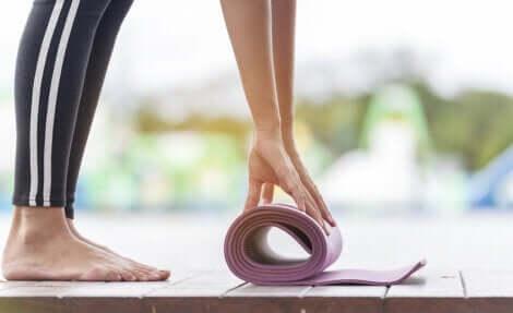 Le yoga est un sport idéal en cas de douleurs articulaires.