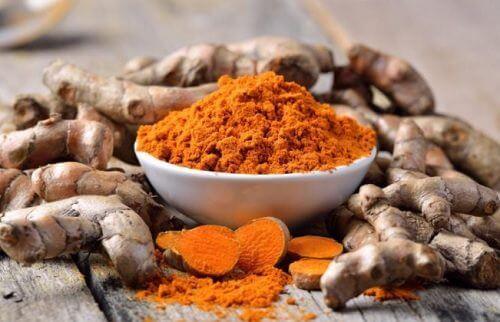 5 épices qui vous aident à éliminer les toxines