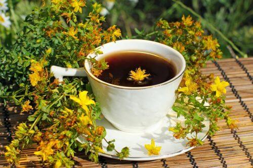le millepertuis fait partie des herbes médicinales efficaces contre la dépression