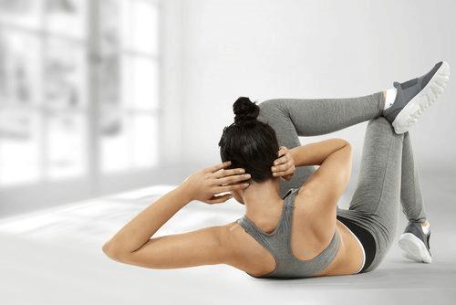 faire des abdominaux obliques pour éliminer la graisse abdominale