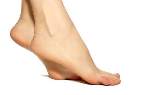 la flexion des orteils est un exercice pour traiter les varices