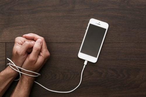 Les enfants n'ont pas besoin de téléphones portables : le meilleur cadeau est de passer du temps avec eux