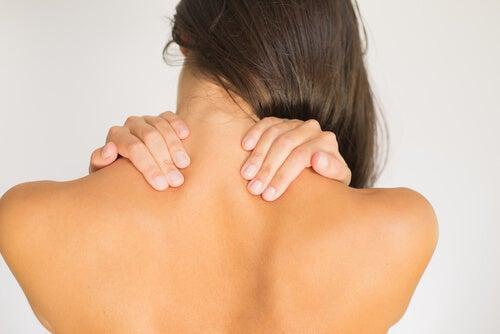 renforcer les cervicales : flexion de coté