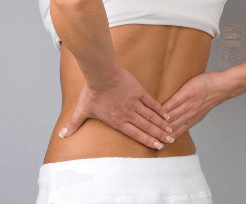 personne qui souffre d'une hernie discale