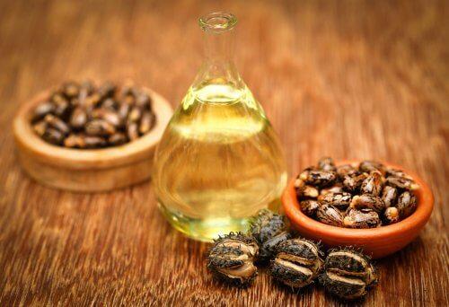 huile de ricin pour soulager les ongles cassés