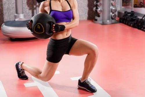 réalisez une routine d'exercices pour prendre de la masse musculaire naturellement
