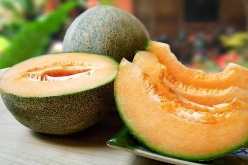 le melon aide à lutter contre la rétention de liquides