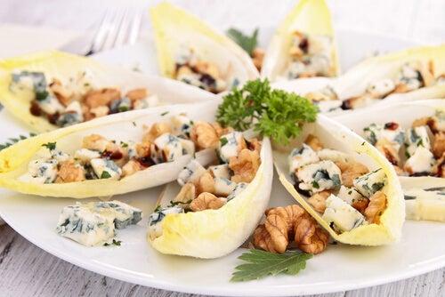 salade endives roquefort et noix