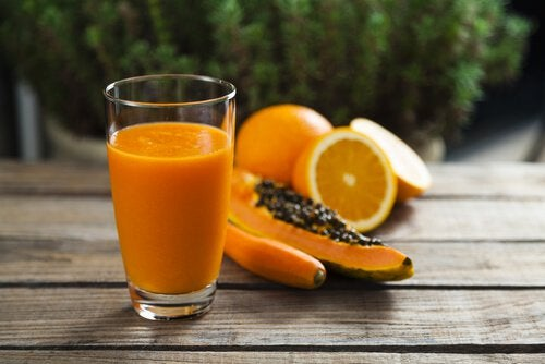 smoothie aloe vera, papaye et orange pour nettoyer le côlon