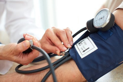 Pression sanguine élevée provoquée par le manque de vitamines D