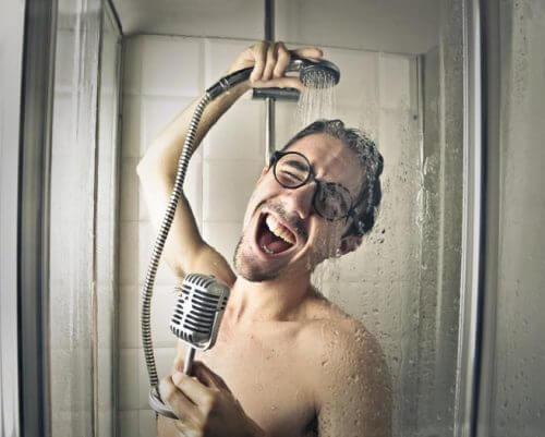 5 erreurs que nous commettons sous la douche