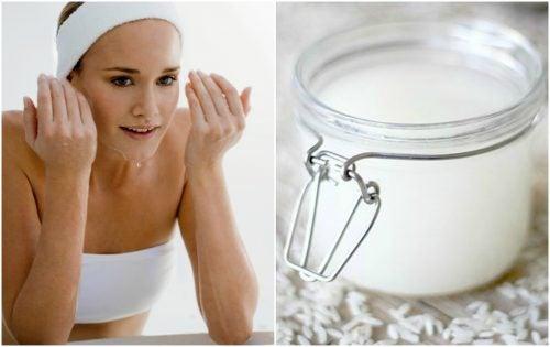 Combattez la peau grasse à l'aide d'une lotion à l'eau de riz