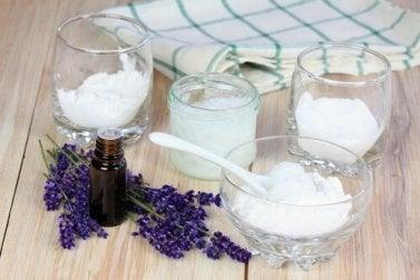 Déodorant naturel d'argile, d'huile de coco et de bicarbonate