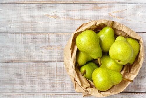 La poire : riche en glucides, écarte les tentations et les fringales