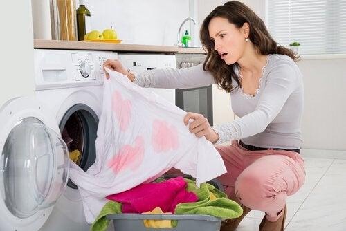 tâches sur les vêtements