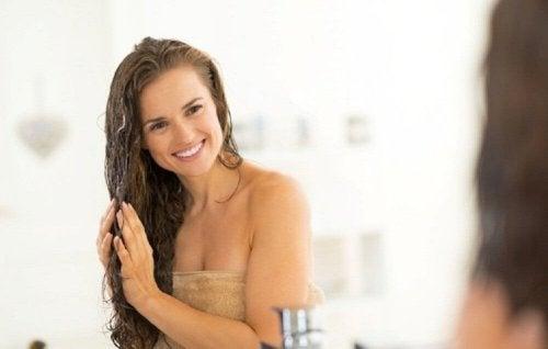 Secrets de beautépour des cheveux soyeux