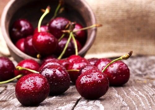 Les cerises aident àréduire l'excès d'acide urique.