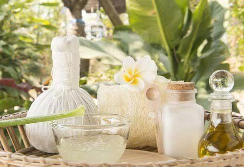 Traitement à base de levure de bière, d'huile de coco et d'aloe vera pour stimuler la pousse des cheveux