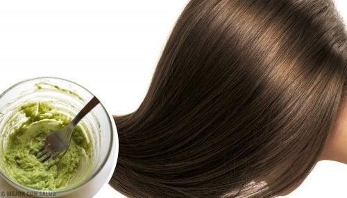 3 façons de prendre soin de vos cheveux naturellement