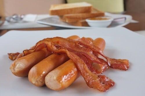 facteurs qui influencent l'augmentation du cholestérol : habitudes alimentaires