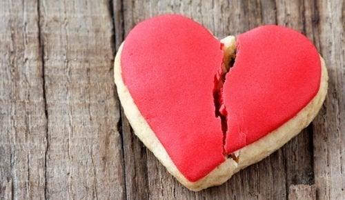 """Découvrez 5 choses importantes méconnues du """"syndrome du cœur brisé"""""""