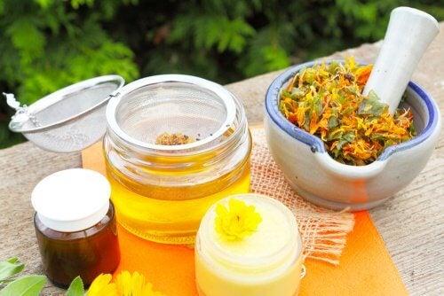 Crème de cire d'abeille, d'huile de coco et arnica contre les douleurs musculaires
