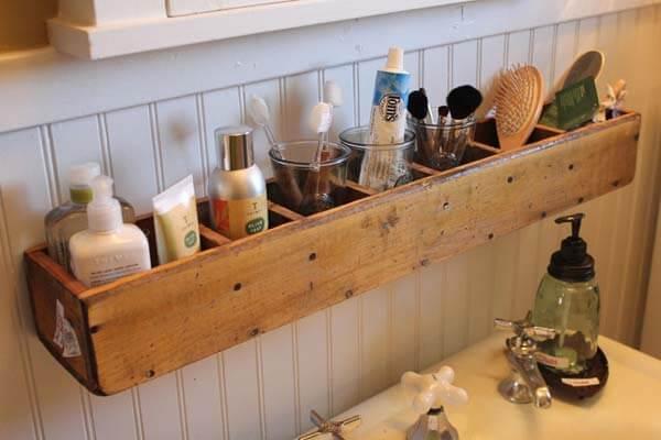 Les rangements suspendus : votre allié pour décorer et organiser votre salle de bain