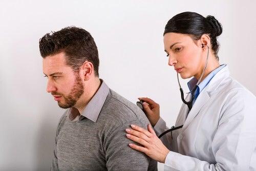 Diagnostiquer le cancer du poumon.