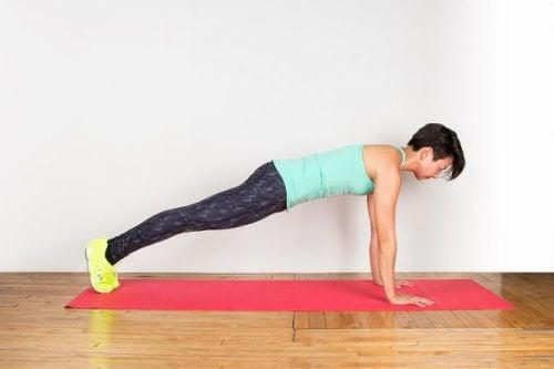 gainage repoussé pour renforcer votre dos