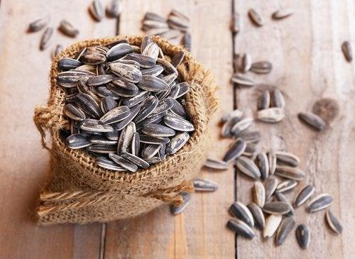 Propriétés et bienfaits des graines de tournesol.