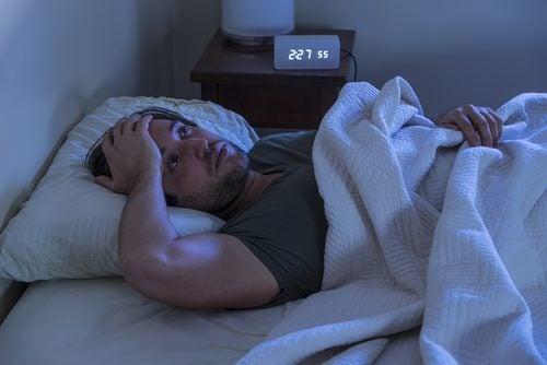 Hyptohèse anthropologique du lien avec l'insomnie.