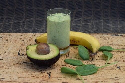 smoothie banane avocat pour réduire le stress de manière naturelle
