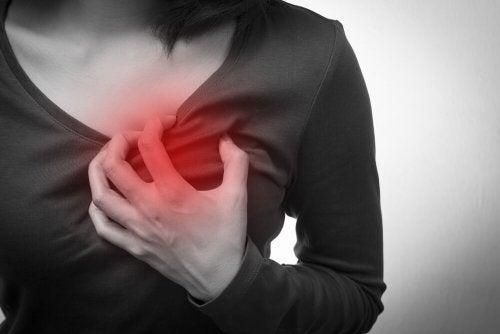Massages pour normaliser la fréquence cardiaque accélérée.