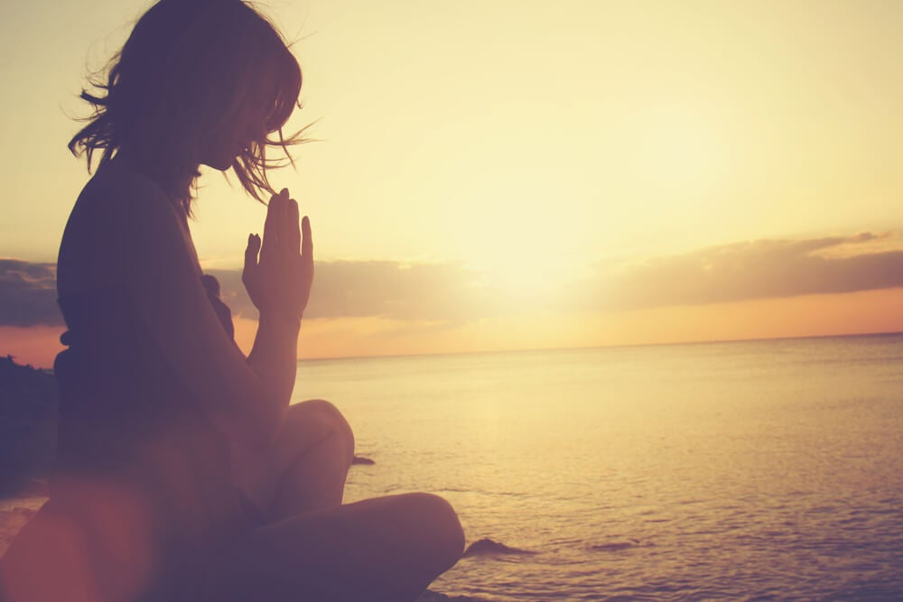 Méditer pour vous désintoxiquer émotionnellement.