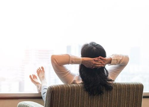 Prenez un bain de soleil 20 minutes par jour pendant la ménopause
