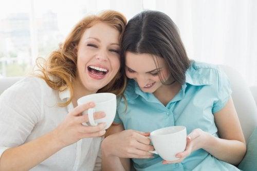 Sortez avec vos ami-e-s pendant la ménopause