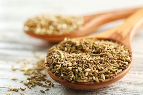 Le cumin est une épice qui peut être utilisée pour remplacer le sel