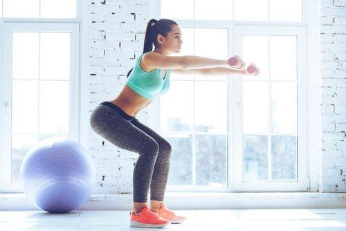 Recommandations pour améliorer vos squats : maintenir la position