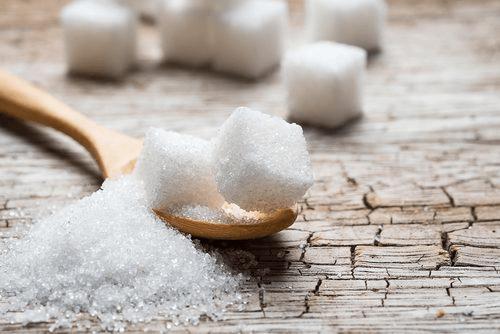 Le sucre rend notre visage méconnaissable.