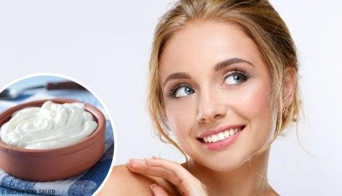 5 masques faciaux naturels pour un visage rayonnant