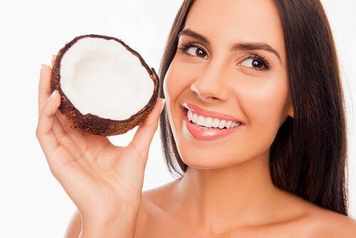 L'huile de coco pour les dents.