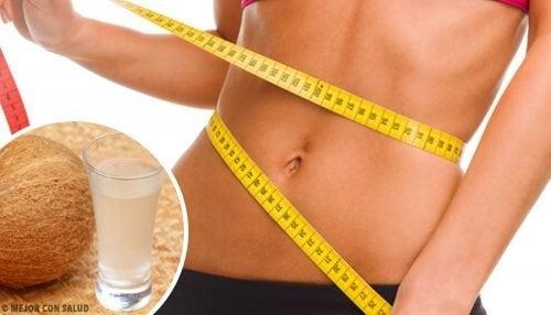 Obtenez un ventre plus plat en 14 jours grâce à cette boisson