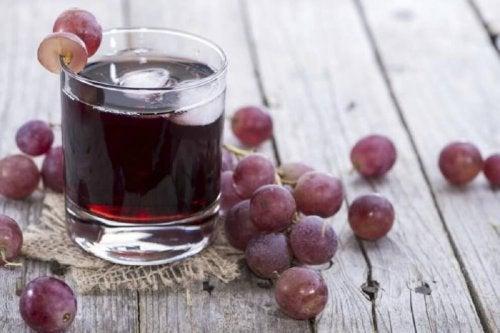 Jus de raisin et de persil contre l'anémie.