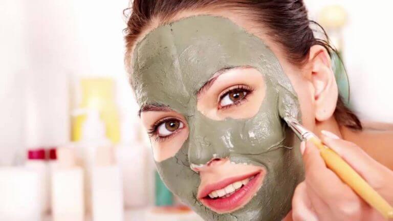 l'argile contre l'acné